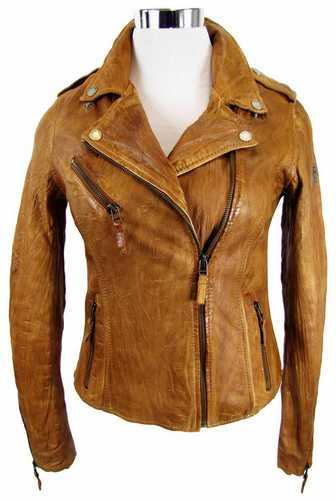 braune Lederjacke aus der Kollektion Sophia Thomalla