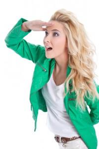 Grüne Lederjacke mit weißem Top
